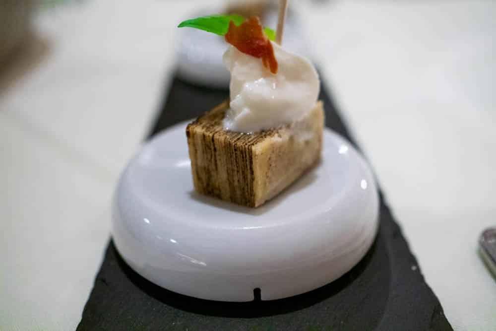 Baumkuchen mit Basilikum