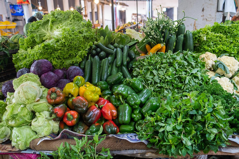 Obst und Gemüse kaufen in Hikkaduwa