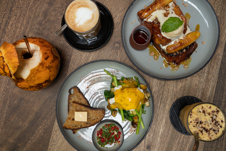 Frühstück in Colombo Plus Nine Four Café