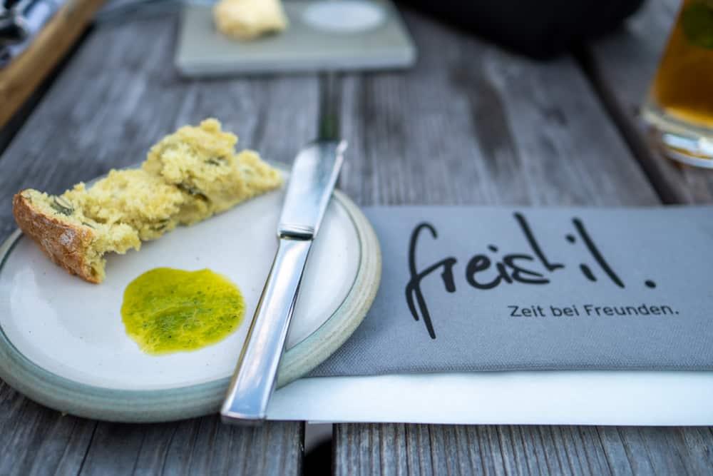Kürbiskernbrot im Restaurant Freistil