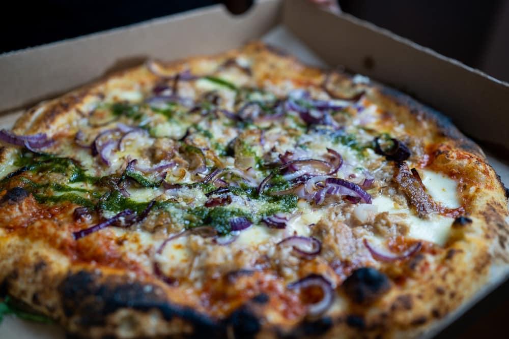 Beste Pizza in Erfurt im Wein und Fein
