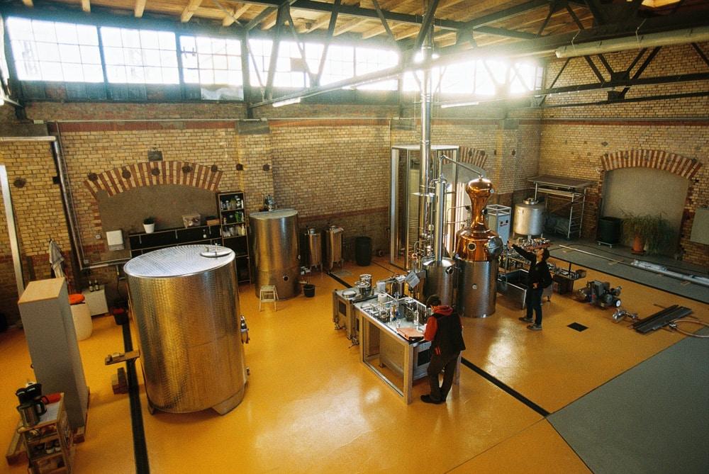 Whiskybrennerei im Erfurter Zughafen